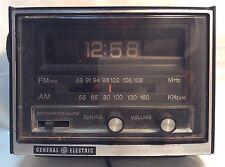 Vintage GE FM-AM Flipping Digits ALARM CLOCK Model 7-4415-A~RADIO REVEIL~General