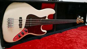 Hohner Jazz Bass Fretless -Fender Jazz Bass Kopie- mit Koffer- sehr gut erhalten
