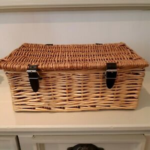 Two Tone small wicker hamper basket with faux leather strap closing, christmas