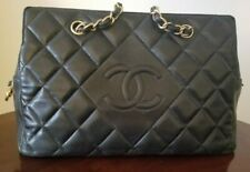 Chanel Hand Bag in Black, Pre-owned Medium Size