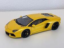 "AUTOart Signature 74664 1:18 Lamborghini Aventador LP700-4 ""Giallo Orion"" (Gelb)"