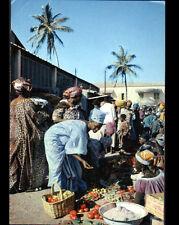 DAKAR (SENEGAL) STAND MARCHANDE de LEGUMES au Marché