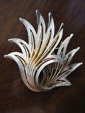 Trifari crown grande spilla dorata anni '60