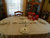 Nikko China Christmastime Dinnerware Set for 4 with 5 Serving Pieces 4-3