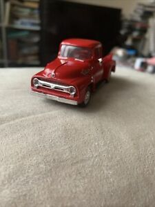 Smart Toys 100- Ford F-100 Pick Up in 1:48 scale