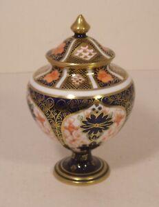 "Stunning Royal Crown Derby 1128 Imari 4.75"" Lidded Vase"