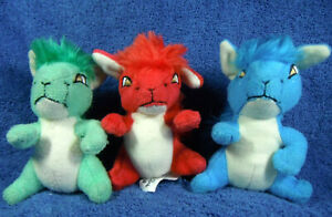 *202020* Kyrii - Red, blue and green - Neopets McDonalds 2005 - plush
