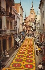 BG27625 sitges calle paralladas durante el corpus    spain