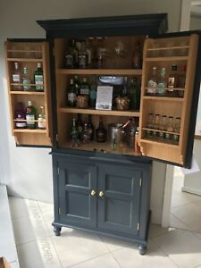 Large Victorian Style Drinks Cocktail Cabinet Double Doors