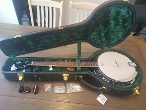 Ibanez Banjo with Beautiful Case New Remo Weatherking