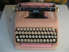 VINTAGE SILENT SUPER 1950's SMITH CORONA PINK PORTABLE TYPEWRITER with CASE