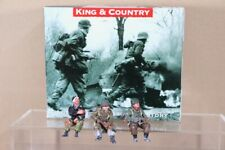 KING & COUNTRY BBA036 BATTLE of the BULGE AMERICAN SEATED HALF TRACK PASSENGERS