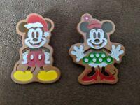 Mickey And Minnie Gingerbread Christmas Santa LE Disney Pins