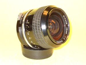 Nikon NIKKOR 28mm 1:2 in very good condition!