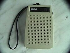 """Vintage RCA transistor radio it has a least one station that comes in 4""""x3-1/2"""""""