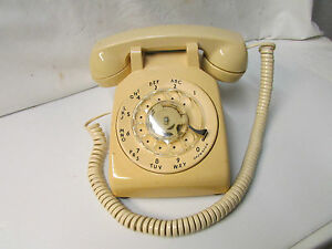 1975 Vintage AT & T Rotary Dial Phone - By Western Electric ~ Model R5000M