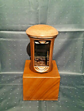 Grablampe, Grablaterne aus Bronze/ Granit.