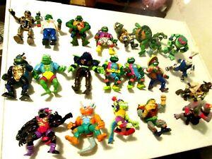 Vintage Teenage Mutant Ninja Turtles Lot of 21 Figures & 100 plus pcs. 1989-1991