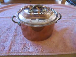Vintage COPPER PAN POT + lid with brass handles finial. From italy Metalware