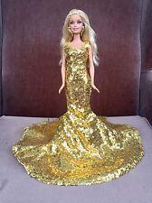 barbie & Sa Robe Dorée Du Créateur Thaï Eaki-livraison Offerte d'ici NOEL