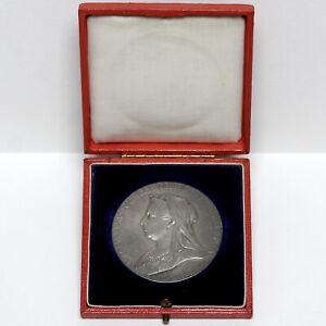 1897 QUEEN VICTORIA GREAT BRITAIN SILVER DIAMOND JUBILEE MEDAL & BOX