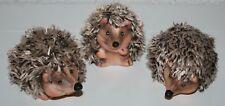 Igel Tierfiguren 3erSet verschiedene Motive 5 cm bis 6,5 cm  h Keramik Wollfäden