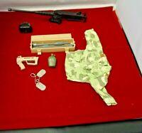 BIN B30 G I JOE Accessory      Black 9mm Pistol Hand Gun Various Figures