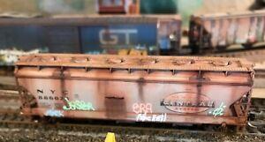 N,Microtrains,NYC, 3 bay covered hopper weathered,graffiti,low profile wheels