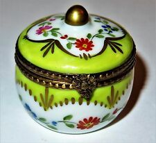 Limoges Box - Green & White Round Floral - Flowers & Scallops & A Gold Finial