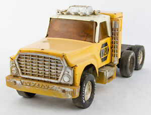 Vintage 1978 Nylint 820D Pressed Steel NAPA Automotive Parts Tractor Trailer Cab