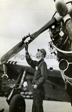 WW2 Picture Photo HOLE IN PROPELLER BLADE OF P-47 RETURNS SAFELY 2520