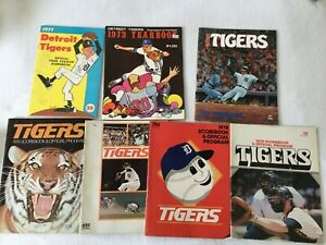 8  VINTAGE Detroit MICHIGAN Tigers YEARBOOK Program SCOREBOOK Baseball 1970'S