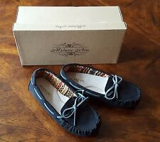 Melrose Avenue Womens Black Suede Moccasins Casual Shoe Loafers Flats, Size 6