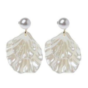 MOTHER OF PEARL DOUBLE CARVE LEAF SHELL DANGLE HOOK EARRINGS SILVER TONE JEWELRY