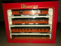 Rivarossi HO 1920's Milwaukee Road Heavyweight 4 Cars with some Interiors. MINT!