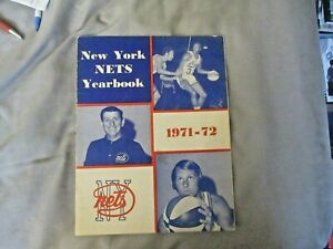 1971-72 NEW YORK NETS YEARBOOK Media Guide LOU CARNESECCA ABA RICK BARRY 1972