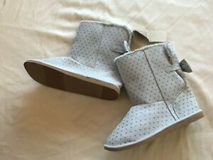 NWT CRAZY 8-  GRAY BOOTS WITH BOW & SILVER GLITTER DOTS BIG GIRLS SIZE 5