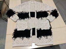 Long gilet bernadette en très épais tricot écru et noir Esther H, taille unique