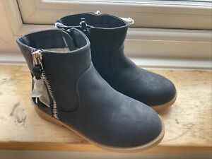 Bluezoo Girls Navy Boots Size Infant 9 BNWT