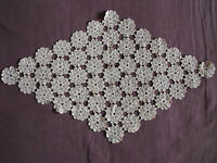 #1059  Beautiful Vintage Hand Made Table Runner  57cm/34cm(22''x13'')
