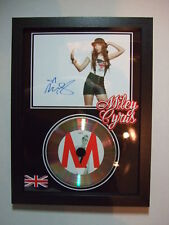 MILEY CYRUS   SIGNED  GOLD  DISC  Y8