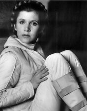 Carrie Fisher UNSIGNED 8x10 (B)