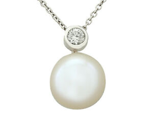 Vintage 1980s Cultured Pearl 0.19 ct Diamond 18Carat White Gold Necklace