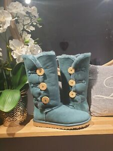 Gorgeous Bailey button Ugg Forest Green Rare colour.  Uk size 3.5. Cosy!!