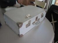 valise aluminium ancienne boite coffre trousse à outil rangement vintage 2 clés