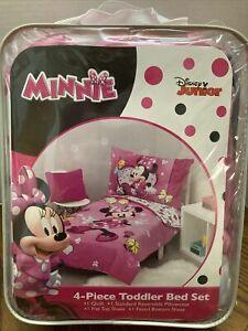 Disney Junior Minnie Mouse 4 Piece Toddler Bed Set NEW