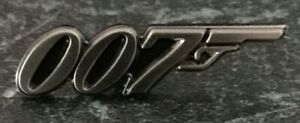 JAMES BOND 007 ANTIQUE SILVER ENAMEL PIN BADGE - COS PLAY
