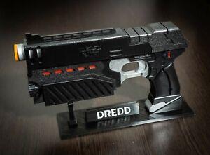 Judge Dredd Lawgiver cosplay prop gun