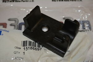 Chevrolet Kodiac GMC Topkick Hummer H2  Primary Hood Latch new OEM 15186697