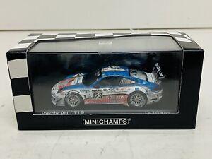 T3911_ MINICHAMPS 1/43   PORSCHE 911 GT3 R  -  24H DE SPA   2011    118923